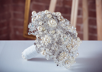 Bouquet of brooches #3